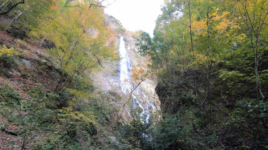 GH011930-1024x576 落差98メートル!兵庫県一の落差を誇る紅葉の天滝へツーリング旅!