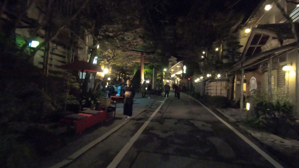 GH011975-1024x576 京の奥座敷 紅葉ライトアップの貴船神社へ訪れました!