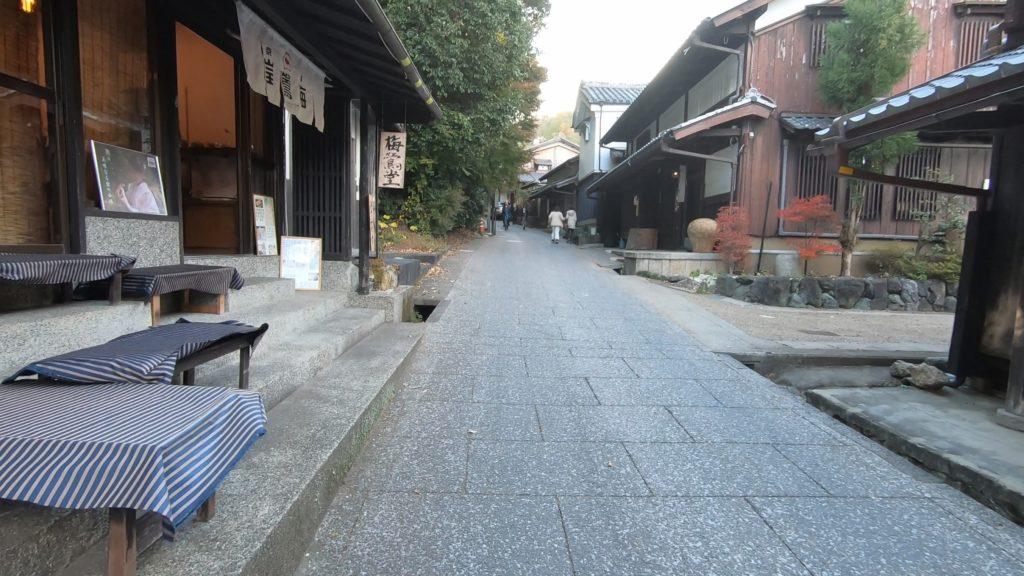 GH012037-1-1024x576 京都 紅葉の嵐山カメラ&観光おすすめの散策スポット ( 2019年 京都の秋、嵐山の綺麗な紅葉景色が見れる写真スポット・アクセス情報や交通手段など!)