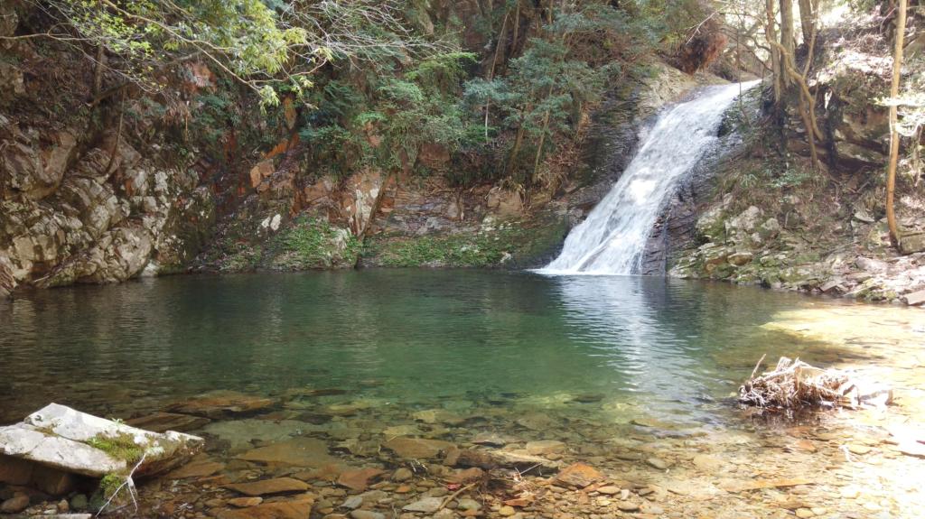 0e64e64422c9cca86da326e8e9bba9b3-1024x575 奈良県 済浄坊の滝 ( 奈良 夏 新緑  写真スポット)
