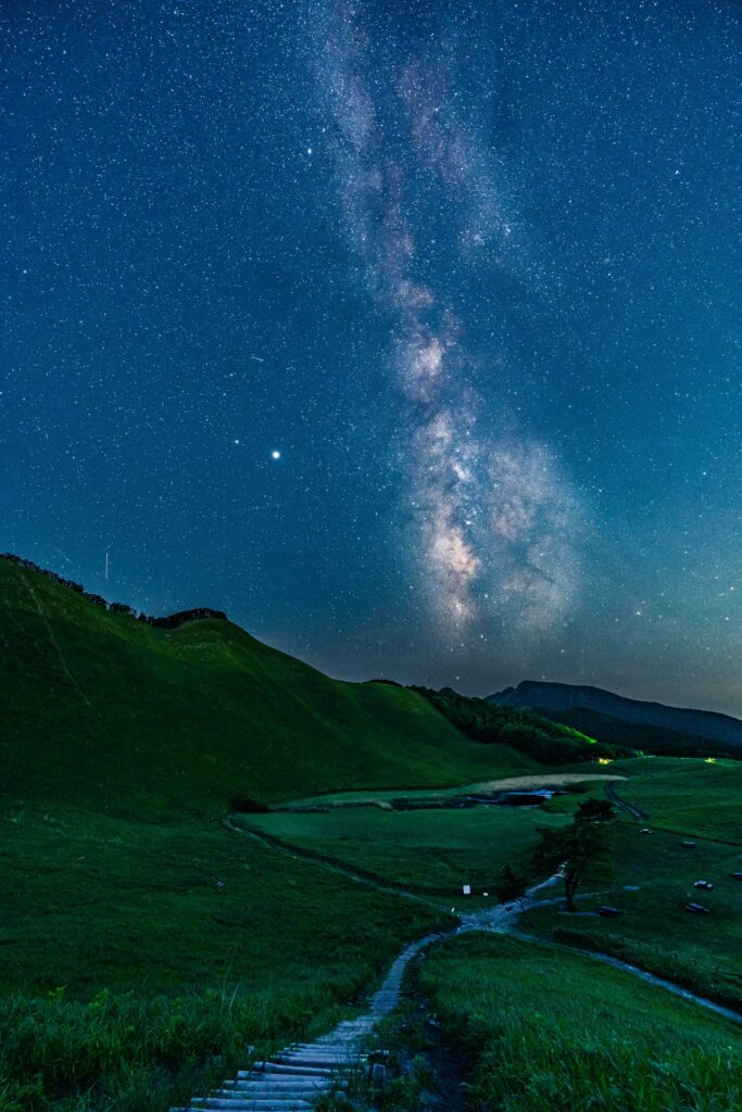3754855_m-683x1024 奈良  曽爾高原(青空と星空・天の川の美しい景色がおすすめのスポット!写真の紹介やアクセス情報など)