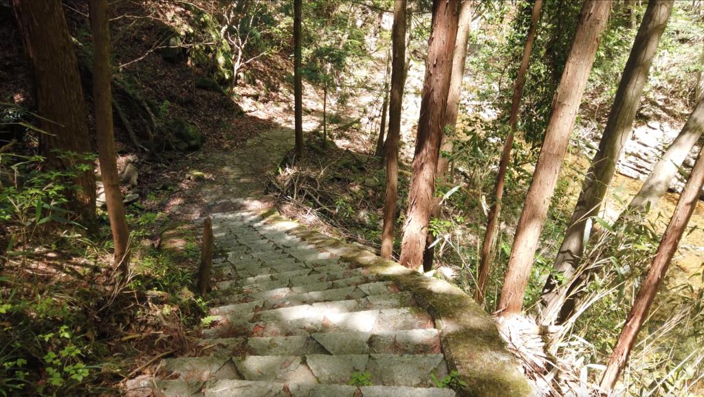 681cffc6eb2ab8721145fa51222086ee-1024x578 奈良県 済浄坊の滝 ( 奈良 夏 新緑  写真スポット)