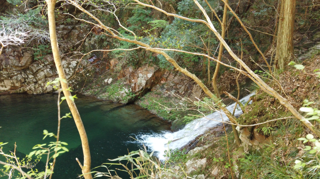 7331c1d00f843783876331d3a1fb1f82-1024x574 奈良県 済浄坊の滝 ( 奈良 夏 新緑  写真スポット)