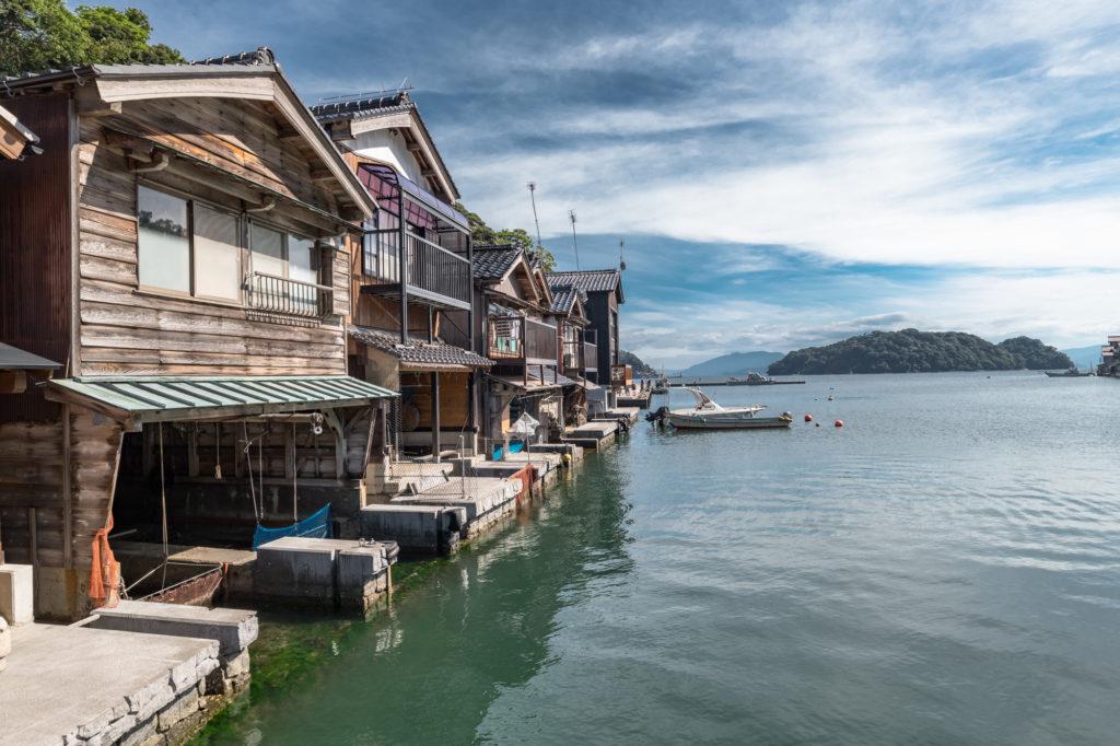 ADS6000-1024x682 京都  伊根の舟屋 ( 京都の夏におすすめの海が見える絶景写真スポット・アクセス情報や撮影ポイントなど!)