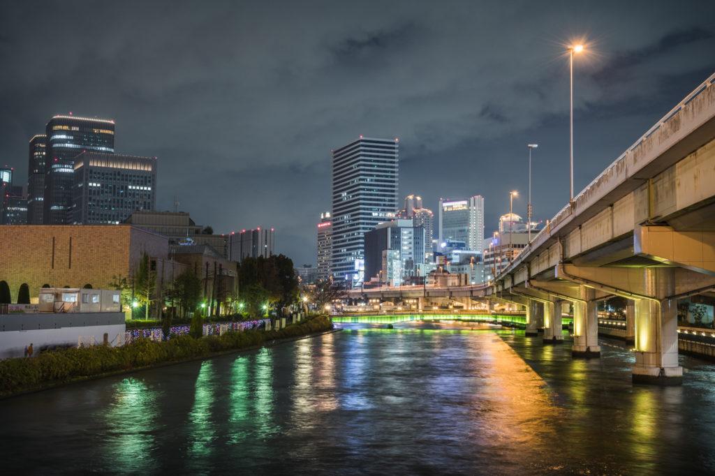 ADS9923-1024x682 大阪  中之島公園( 大阪の夜景・イルミネーションの撮影におすすめ!撮影した写真の紹介、アクセス・光の饗宴情報など!)