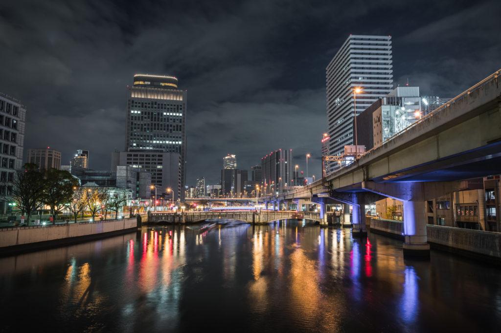 ADS9955-1024x682 大阪  中之島公園( 大阪の夜景・イルミネーションの撮影におすすめ!撮影した写真の紹介、アクセス・光の饗宴情報など!)