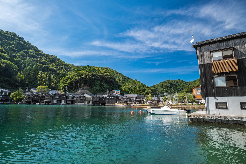 NIKON-CORPORATION_NIKON-D850_2470270962-2470378197_19797 京都  伊根の舟屋 ( 丹後半島おすすめの海に町が浮かぶように見える絶景写真スポット・アクセス情報や駐車場など!)