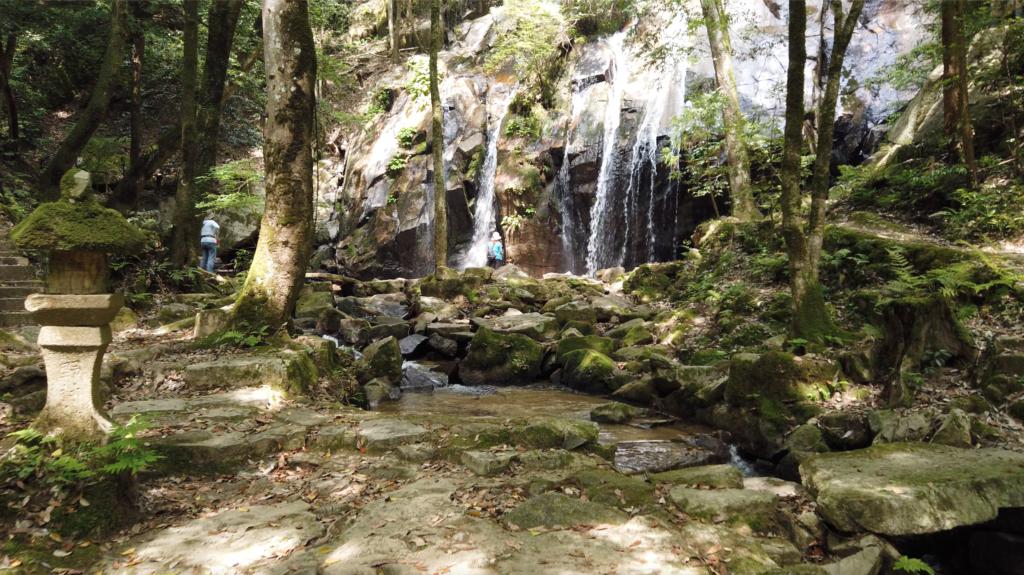 19c5ec3609f4705de6ef9eb9f6e4644e-1024x575 京都 金引の滝(日本の滝百選に選定された秘境の滝スポット!写真の紹介、アクセス情報など)