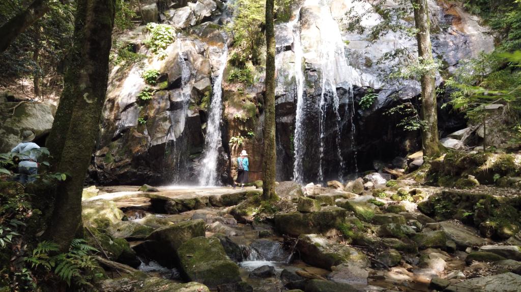 353449b1f9f8ed0ccc6b91eddad76f02-1024x575 京都 金引の滝(日本の滝百選に選定された秘境の滝スポット!写真の紹介、アクセス情報など)