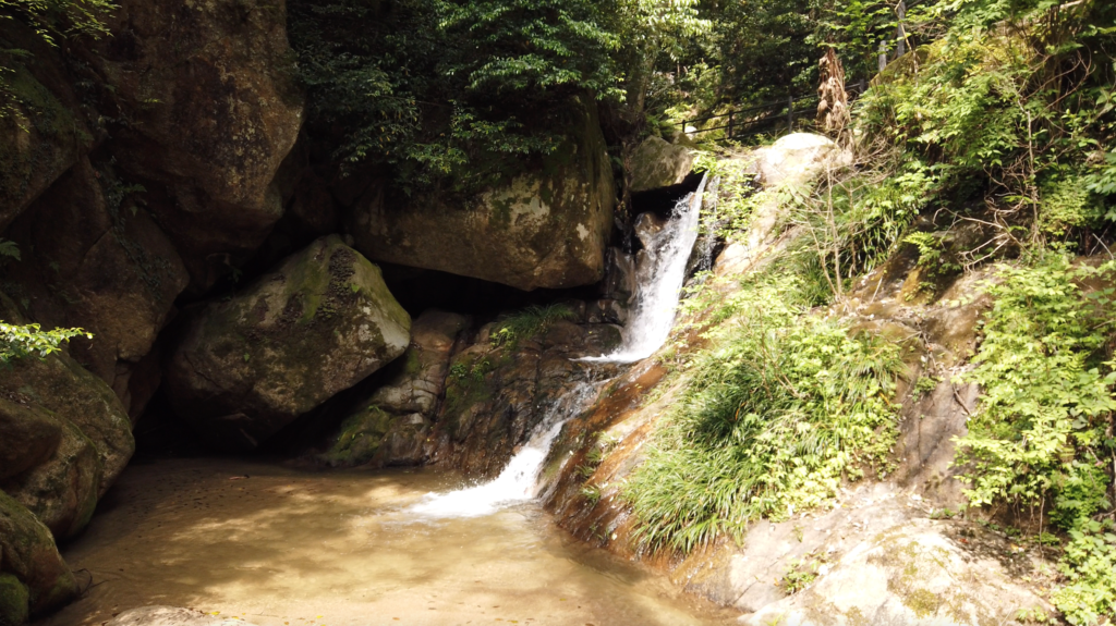 96c467d362c286df58b20f817a4180c8-1024x575 京都 金引の滝(日本の滝百選に選定された秘境の滝スポット!写真の紹介、アクセス情報など)