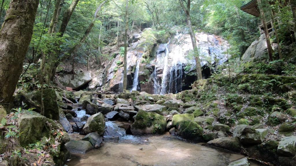 e1b3476d5b006c73e43c5b4c445ce9b4-1024x575 京都 金引の滝(日本の滝百選に選定された秘境の滝スポット!写真の紹介、アクセス情報など)