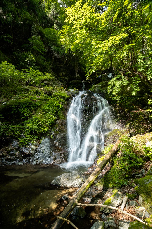 DSC06909 奈良県 和佐羅滝(奈良県の夏、新緑の時期におすすめの滝写真スポット!撮影した写真の紹介、アクセス情報や撮影ポイントなど!)