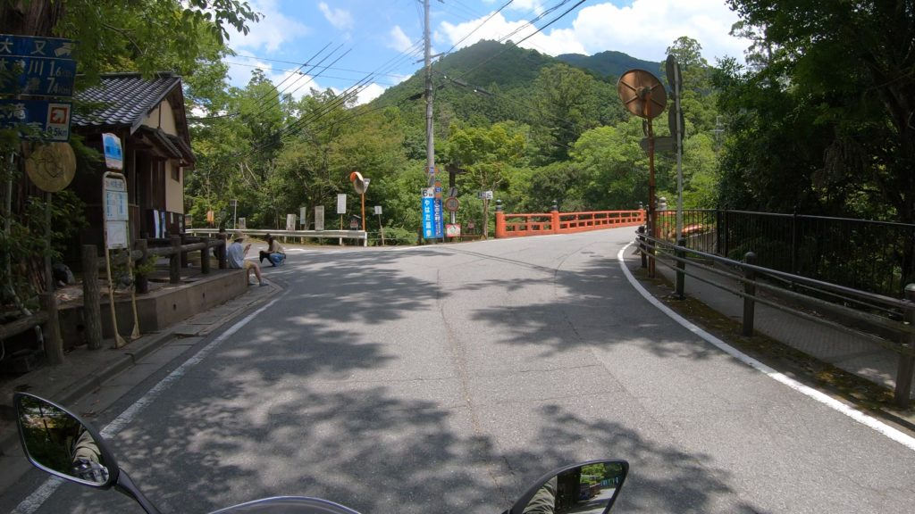 GX012412-1024x576 奈良県 和佐羅滝(奈良県の夏、新緑の時期におすすめの滝写真スポット!撮影した写真の紹介、アクセス情報や撮影ポイントなど!)