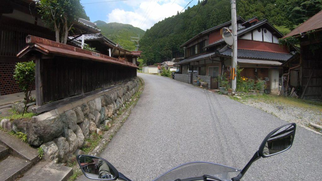 GX012413-1024x576 奈良県 和佐羅滝(奈良県の夏、新緑の時期におすすめの滝写真スポット!撮影した写真の紹介、アクセス情報や撮影ポイントなど!)