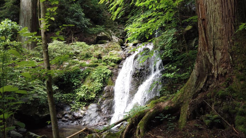 f923ef9434167f1ff4105d44aa5f8727-1024x574 奈良県 和佐羅滝(奈良県の夏、新緑の時期におすすめの滝写真スポット!撮影した写真の紹介、アクセス情報や撮影ポイントなど!)