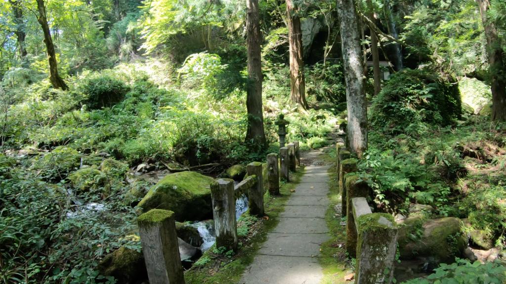 493575b44aca7f0f57c86c4da8854809-1024x576 兵庫県 吉滝(滝と神社の幻想的な景色!  関西・近畿・兵庫県の滝スポット!撮影した写真の紹介、 アクセス情報や撮影ポイントなど!)
