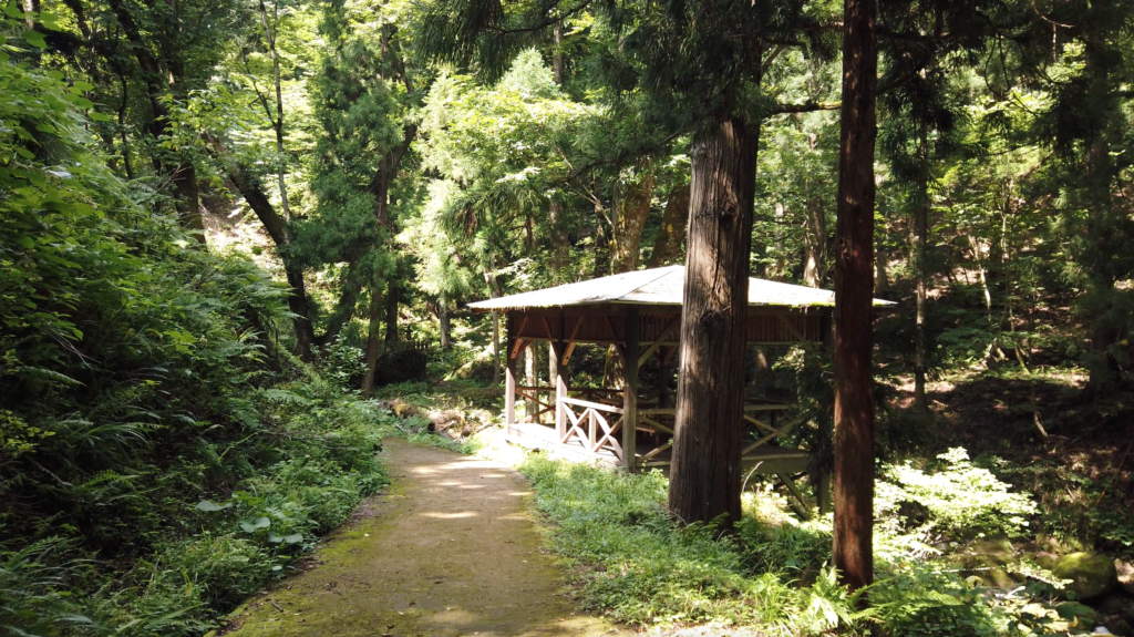 6474e04cad06bba8ad4db35e5ed208e2-1024x575 兵庫県 吉滝(滝と神社の幻想的な景色!  関西・近畿・兵庫県の滝スポット!撮影した写真の紹介、 アクセス情報や撮影ポイントなど!)