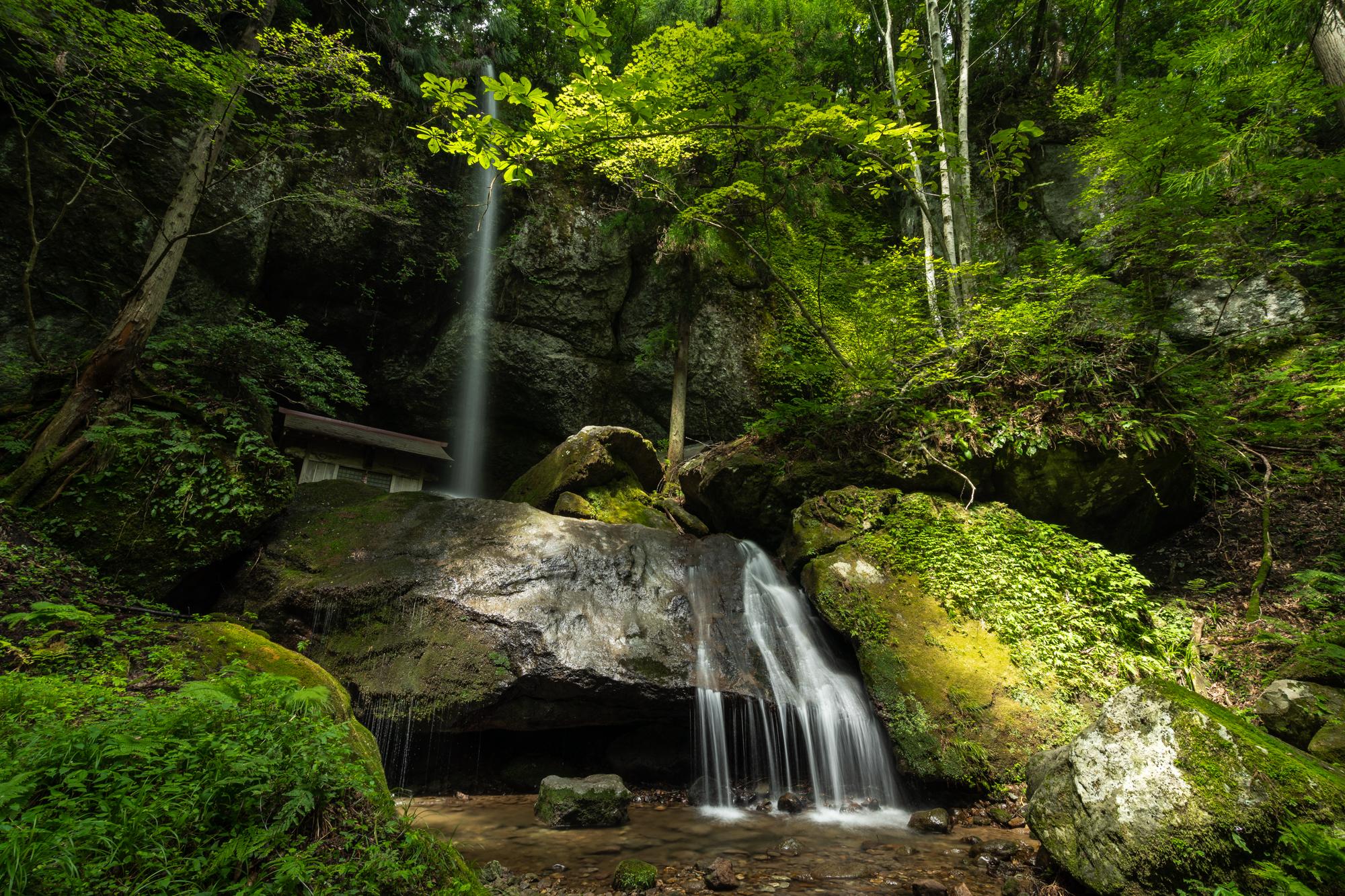 DSC01014 兵庫県 吉滝(滝と神社の幻想的な景色!  関西・近畿・兵庫県の滝スポット!撮影した写真の紹介、 アクセス情報や撮影ポイントなど!)