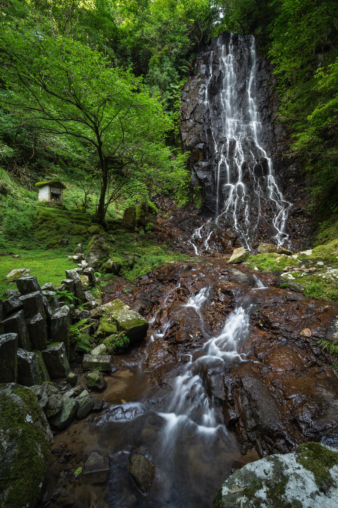 DSC01614 京都府    霧降りの滝 ( 京都の丹後半島観光におすすめ! 滝が観れる撮影スポット! アクセス・駐車場情報や撮影ポイントなど!!)