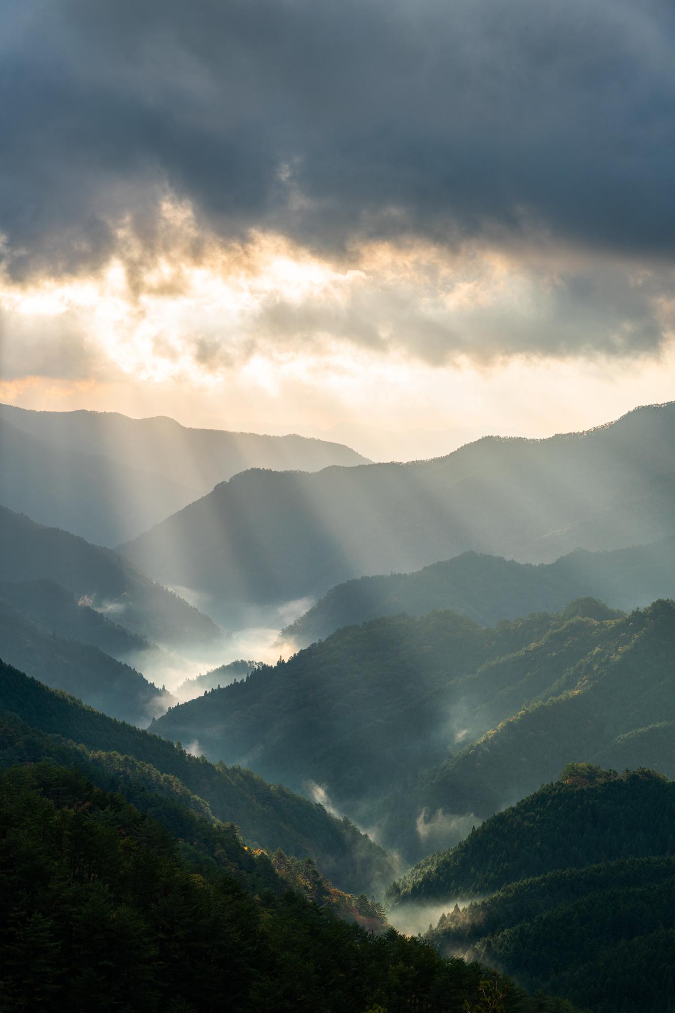 NIKON-CORPORATION_NIKON-D850_2731694514-2731792891_20607 奈良県  野迫川村雲海スポット(雲海や朝日の光芒が見れる秋におすすめの絶景スポット! 撮影した写真の紹介、アクセス情報など)