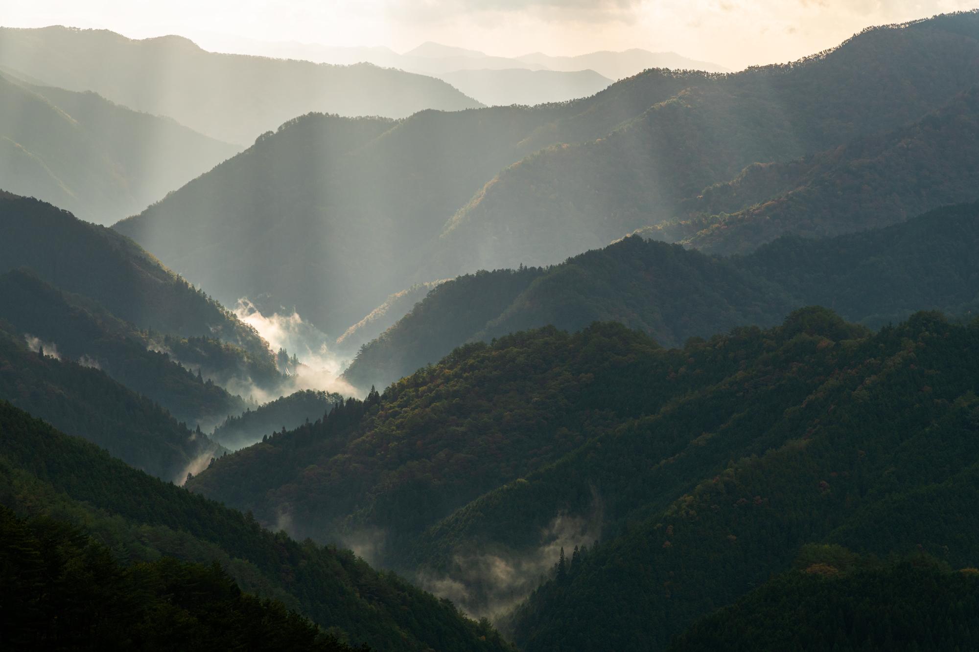 NIKON-CORPORATION_NIKON-D850_2739302386-2739400013_20685 奈良県  野迫川村雲海スポット(雲海や朝日の光芒が見れる秋におすすめの絶景スポット! 撮影した写真の紹介、アクセス情報など)