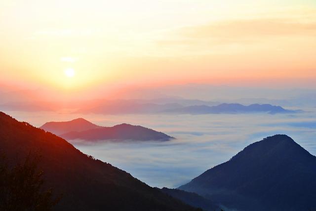 2f7818a53cbf14523d26ccb423066ee3_s 京都 大江山( 紅葉の山並みと雲海の絶景が見れる秋におすすめの写真スポット!撮影した写真の紹介、アクセス情報や交通手段など)