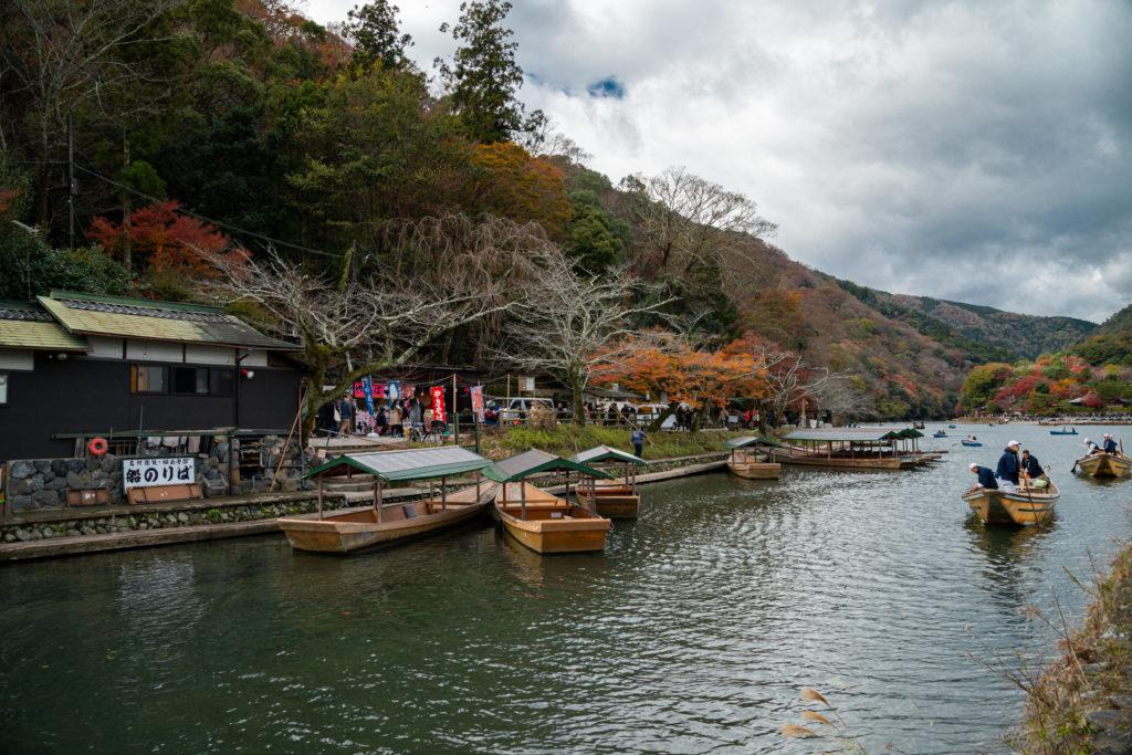 NIKON-CORPORATION_NIKON-D800E_902847666-902933276_9638-1024x683 京都 紅葉の嵐山カメラ&観光おすすめの散策スポット ( 2019年 京都の秋、嵐山の綺麗な紅葉景色が見れる写真スポット・アクセス情報や交通手段など!)