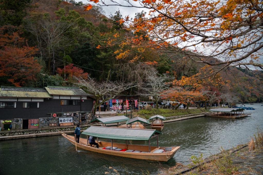 NIKON-CORPORATION_NIKON-D800E_904759922-904846190_9660-1024x683 京都 紅葉の嵐山カメラ&観光おすすめの散策スポット ( 2019年 京都の秋、嵐山の綺麗な紅葉景色が見れる写真スポット・アクセス情報や交通手段など!)
