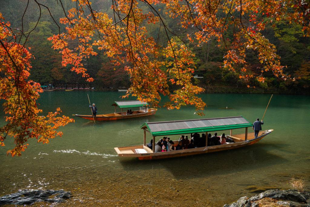 NIKON-CORPORATION_NIKON-D800E_917816498-917902902_9815-1024x683 京都 紅葉の嵐山カメラ&観光おすすめの散策スポット ( 2019年 京都の秋、嵐山の綺麗な紅葉景色が見れる写真スポット・アクセス情報や交通手段など!)