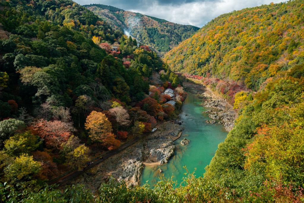NIKON-CORPORATION_NIKON-D800E_932266674-932357198_9983-1024x683 京都 紅葉の嵐山カメラ&観光おすすめの散策スポット ( 2019年 京都の秋、嵐山の綺麗な紅葉景色が見れる写真スポット・アクセス情報や交通手段など!)