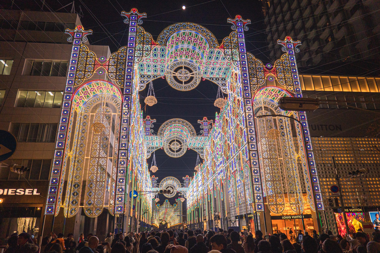 DSC02150 兵庫  神戸ルミナリエ ( 2019 幻想的な光の彫刻の景色 神戸のイルミネーション・写真スポット・アクセス情報や交通手段など!)