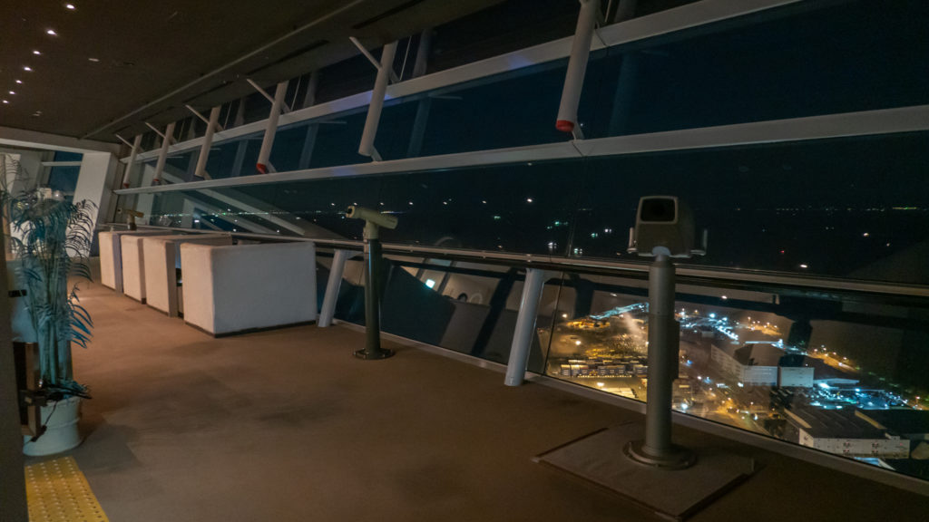 DSC02441-1024x576 大阪  咲洲庁舎展望台・コスモタワー (大阪港と大阪の街を一望できる夜景にもおすすめの写真スポット!撮影した写真の紹介、アクセス情報や交通手段などまとめ!)