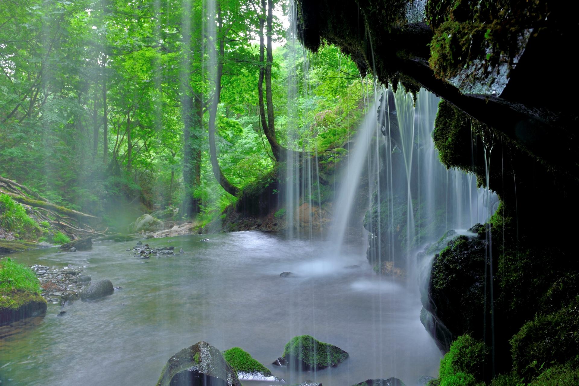 4099055_m 兵庫県 猿壺の滝(新緑の時期におすすめの秘境滝スポット!写真の紹介、アクセス情報など)