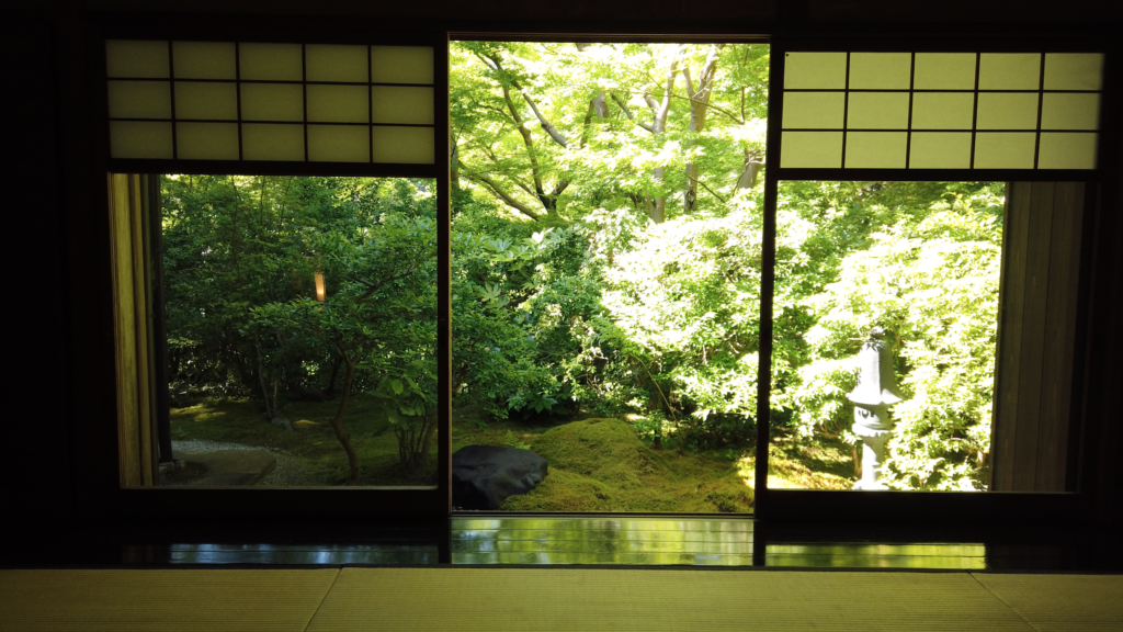 01267fbcbbac7dcc2ef55fe81d2b84a2-1024x576 京都  瑠璃光院 ( 京都の夏、新緑のおすすめ写真スポット・アクセス情報や撮影ポイントなど!)