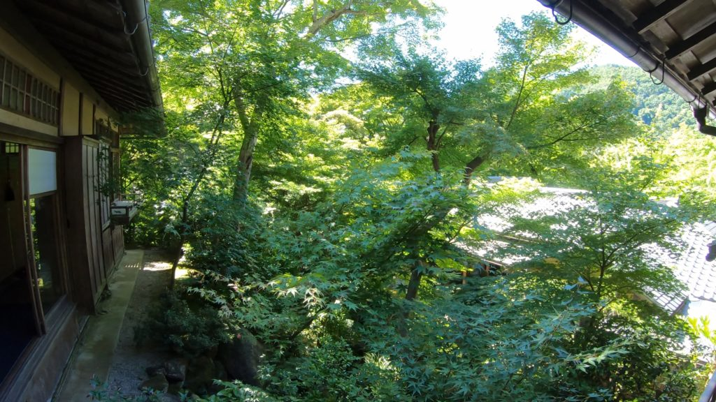 2db1cb66c870d8af7f37830e6fc1f117-1024x576 京都  瑠璃光院 ( 京都の夏、新緑のおすすめ写真スポット・アクセス情報や撮影ポイントなど!)