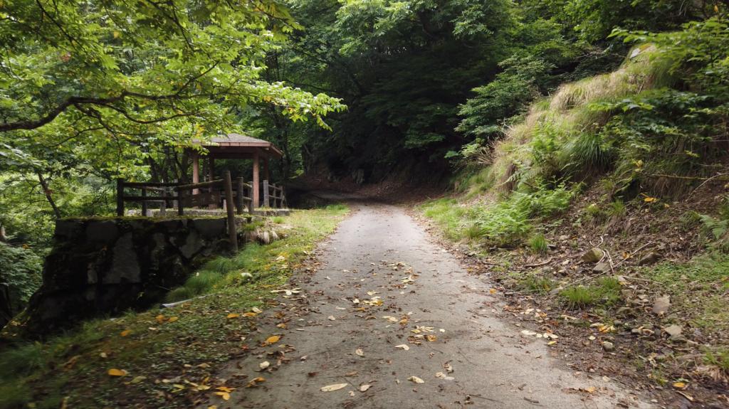 1d32624b31cbc93c3c50d3fecfecf9ee-1024x575 兵庫県 神鍋渓谷公園 (迫力のある一ツ滝、二ツ滝が見所!新緑の季節におすすめ滝スポット!写真の紹介、アクセスなど)