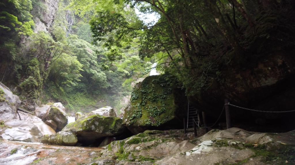 50299594f49403ff20ae59f2b4de05f9-1024x575 奈良県 笹の滝 (十津川村の奥にある秘境の滝! 奈良の夏におすすめ写真撮影スポット! 写真の紹介、アクセス情報など)