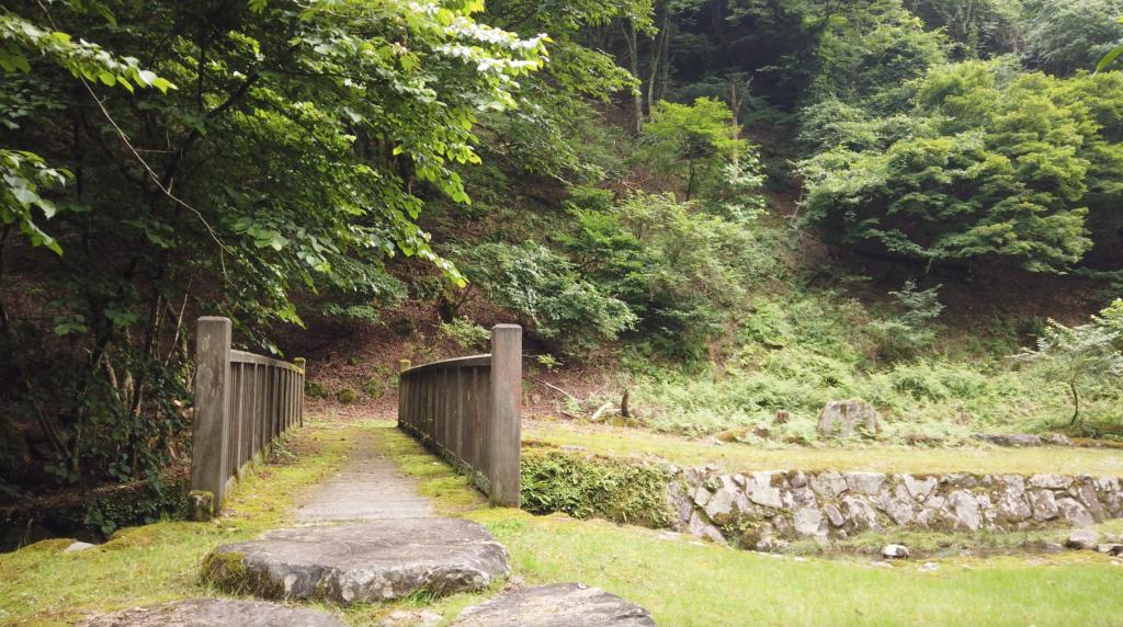7d1640e156e6db9b1d5c10501b654885-1024x572 兵庫県 神鍋渓谷公園 (迫力のある一ツ滝、二ツ滝が見所!新緑の季節におすすめ滝スポット!写真の紹介、アクセスなど)