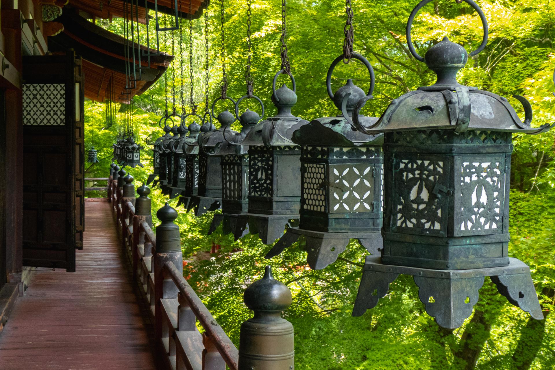 P1001172 奈良県  談山神社(あじさいと新緑の景色が美しい初夏におすすめのスポット! 写真の紹介、アクセス情報や駐車場情報など)