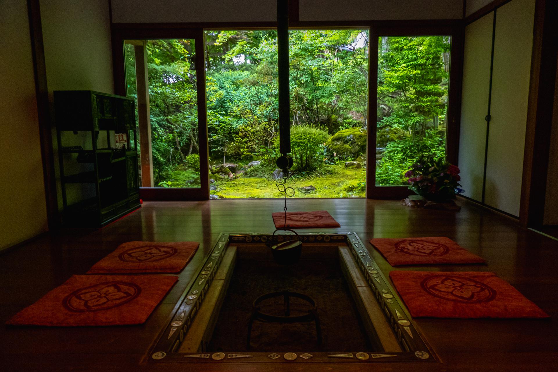 P1001588 京都府 宝泉院(額縁庭園と新緑の景色が美しい夏におすすめスポット!写真の紹介、アクセス情報など)