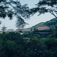91d1895f2bcba100e41b638bdc7807dffcf9896fddb165895be16b7395a0d673 京都  清水寺  Kyoto Kiyomizudera temple( 2019年 京都の秋、ライトアップが美しいおすすめの紅葉写真スポット・アクセス情報や交通手段など!)
